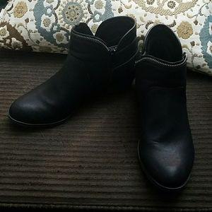 American rag women's sz 7.5 black boots
